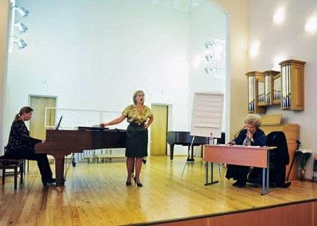 Участие вмастер-классе народной артистки СССР, профессора, оперной певицы Е. В. Образцовой